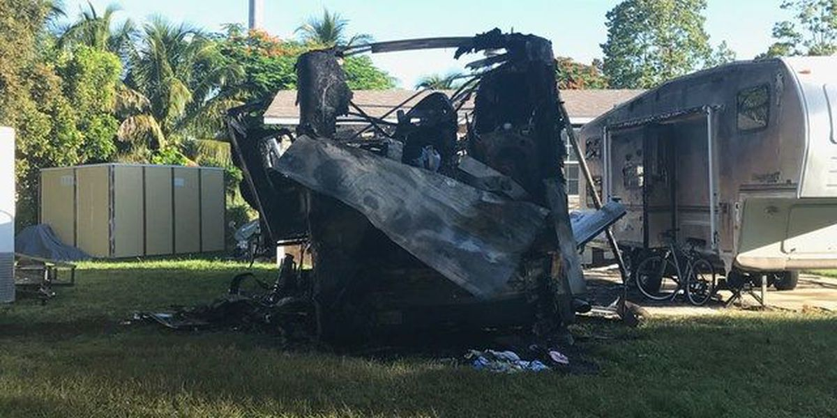 Crews extinguish RV fire in West Boca Raton