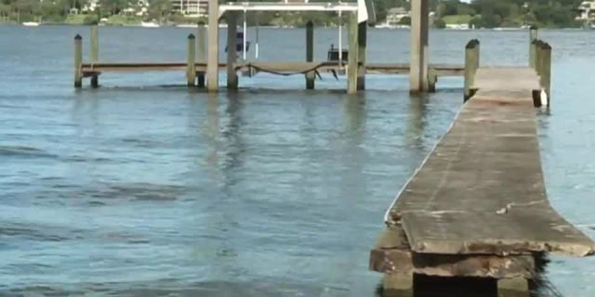 Unmanned boat circles out of control, crashes into 2 docks, goes airborne in Stuart