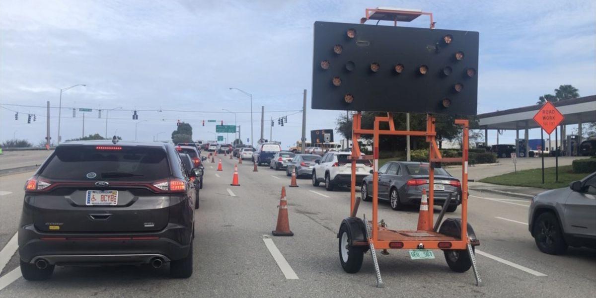 40 tickets written to drivers blocking intersection in Boynton Beach