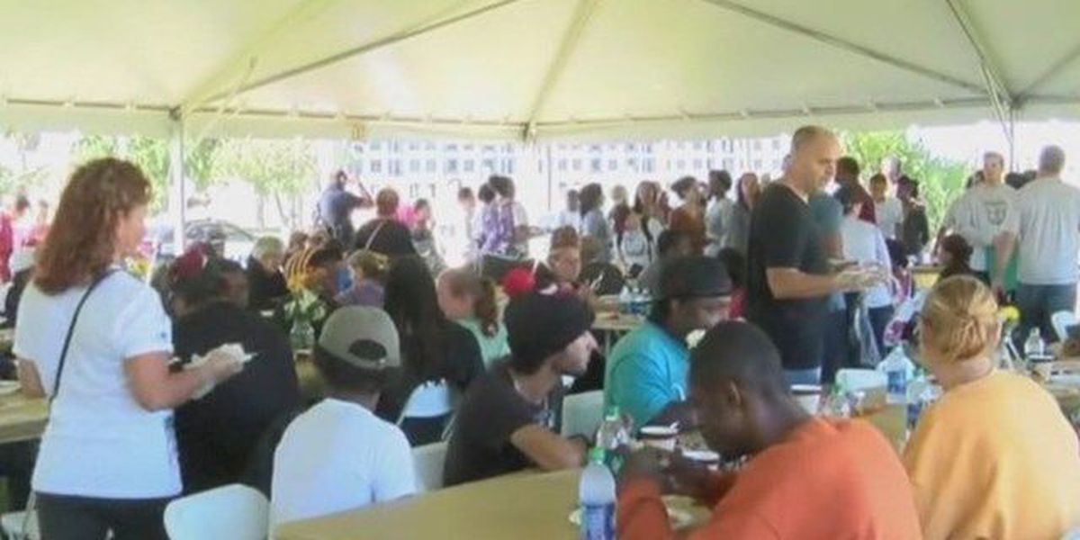 Ministry provides early Thanksgiving to needy