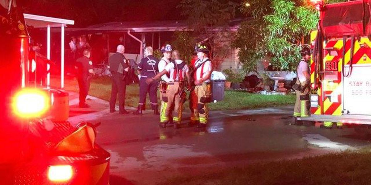 Fire near Greenacres displaces 7 people