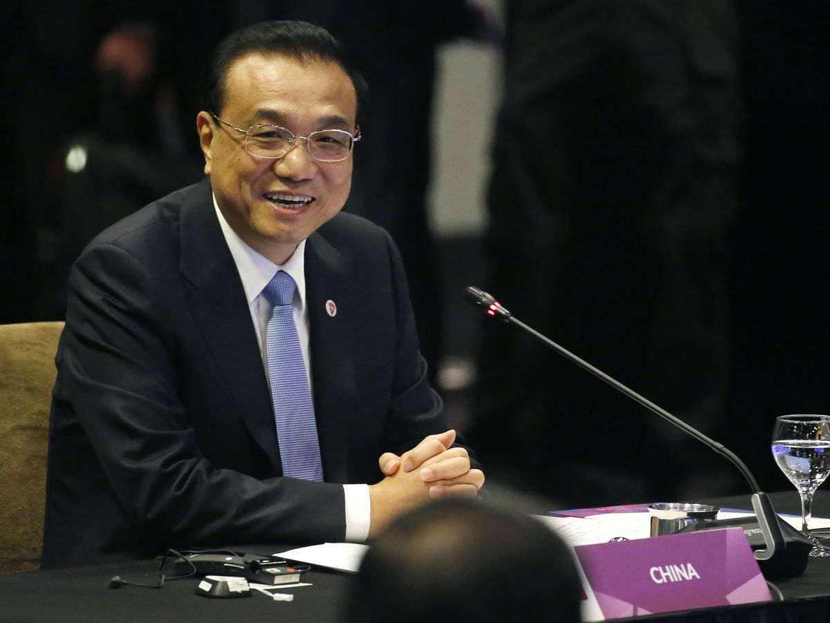 Asian leaders push toward pacts on South China Sea, trade