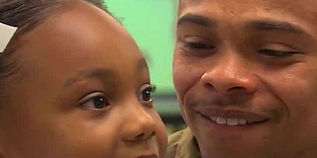 Royal Palm Beach soldier surprises daughter