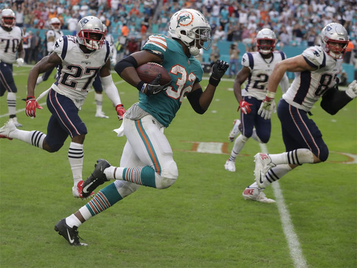 Miami beats Pats 34-33 with wild final play