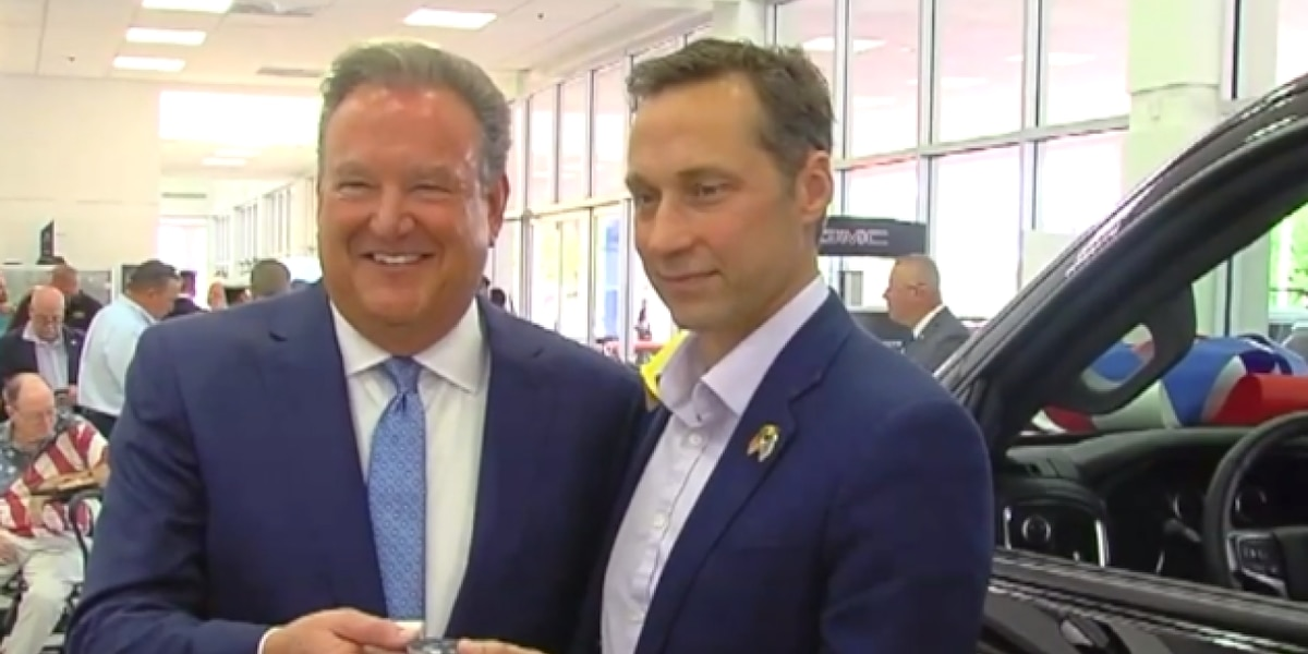 Medal of Honor recipient, former Navy Seal receives gift from the community
