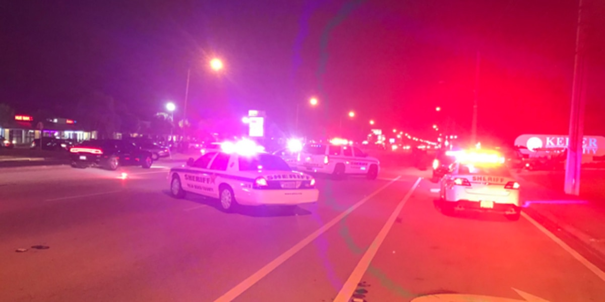 Person killed in WPB multi-vehicle crash