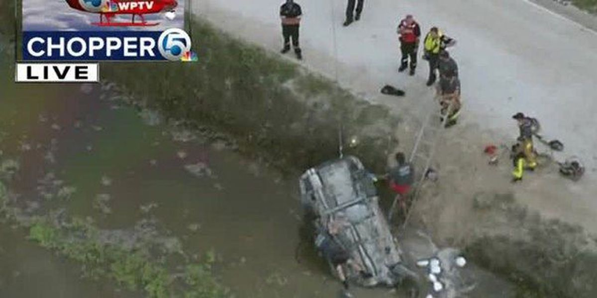 Vehicle plunges into Loxahatchee Groves canal