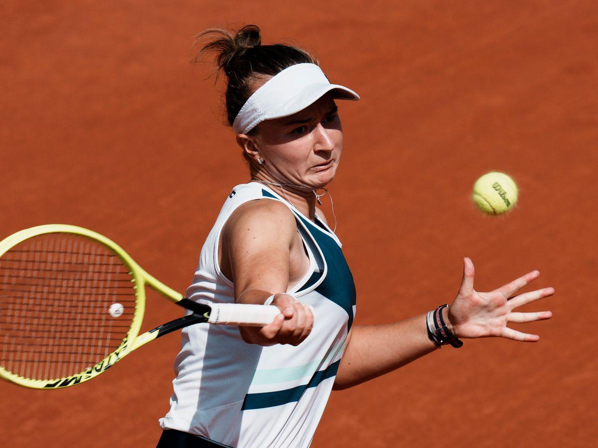 Inspired by Novotna, Krejcikova wins 1st Slam title in Paris