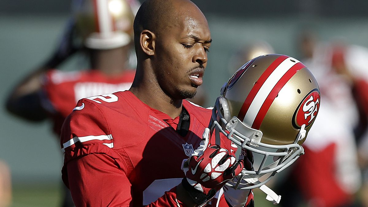 10 ex-NFL players charged with defrauding healthcare program
