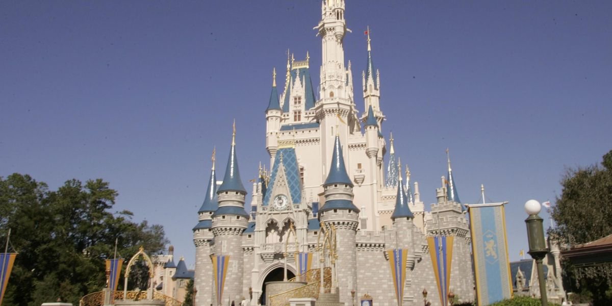 Walt Disney World lets Sikh employee Gurdit Singh come out of the shadows