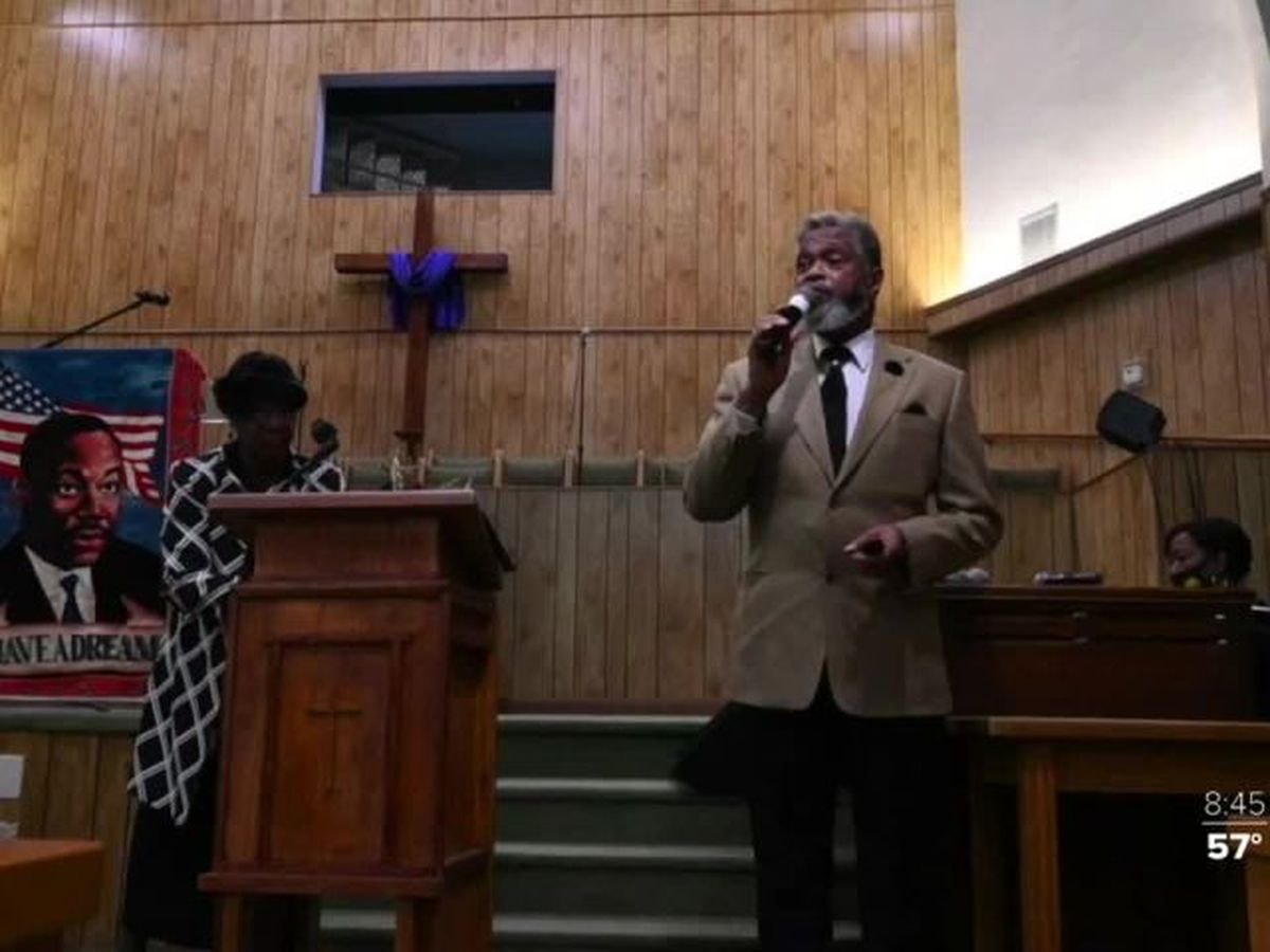 Candlelight service held honoring Martin Luther King Jr.