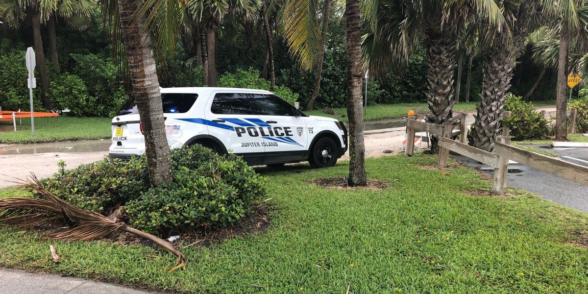 Police search for suspect at large on Jupiter Island