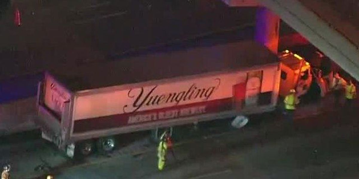 Semi hits concrete wall on I-95, causing delays