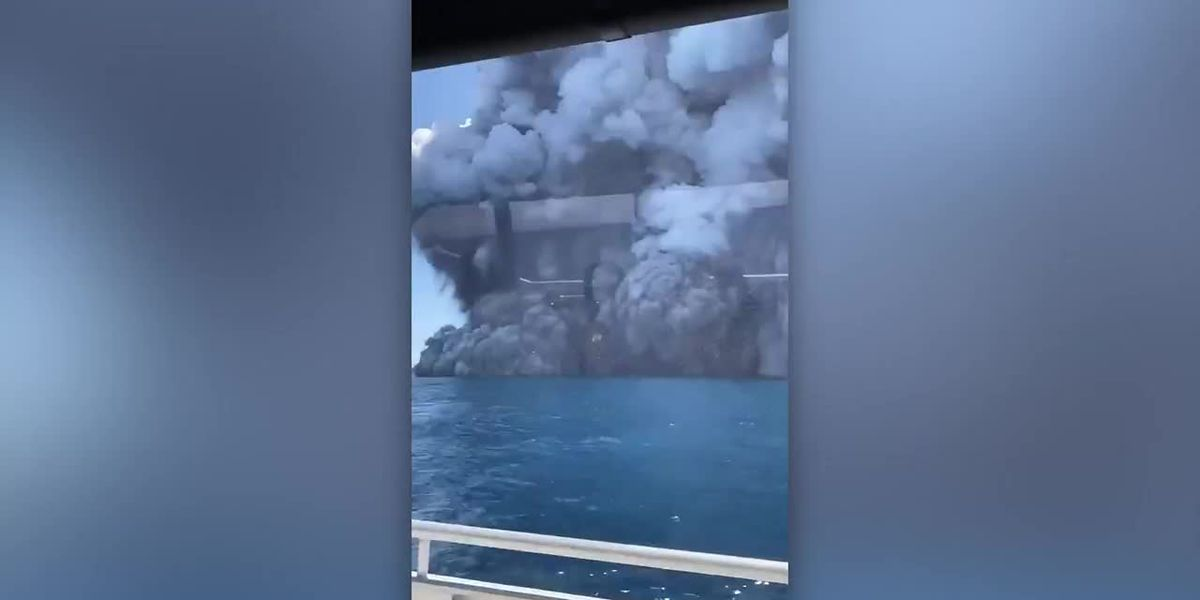 Cloud of ash blooms from New Zealand volcano