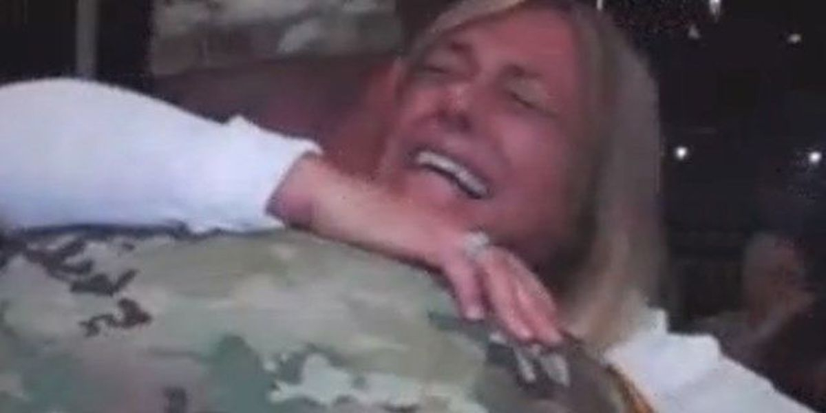 Stuart soldier surprises mom with homecoming