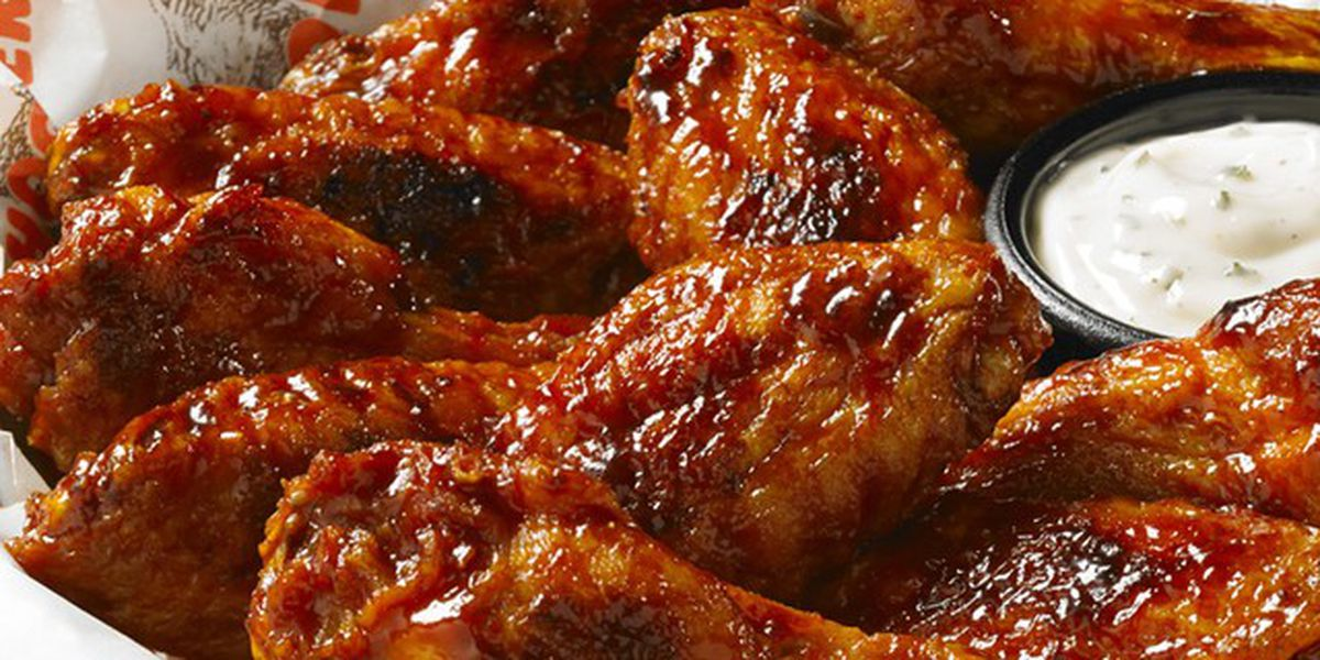 Chicken wing shortage affecting restaurants and wing lovers