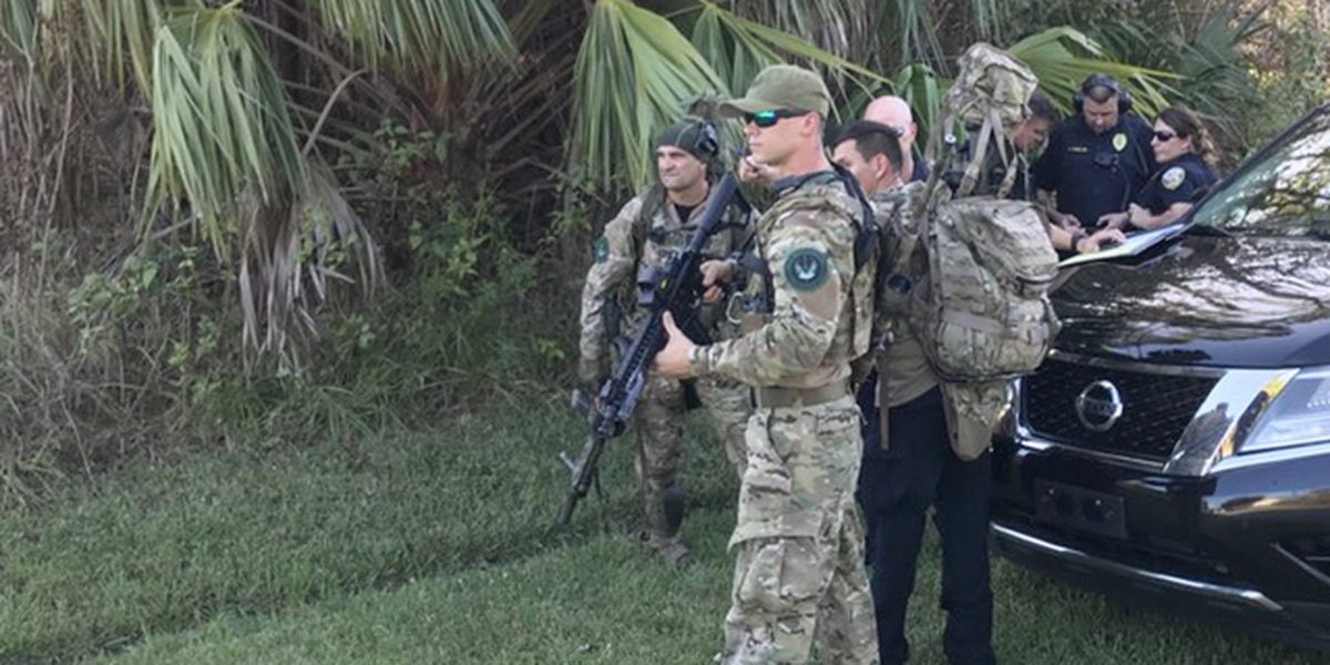 Man barricaded in Port St. Lucie home