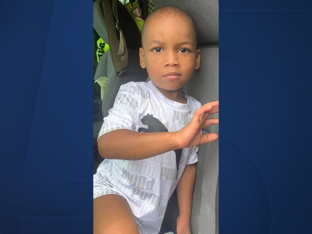 3-year-old child found wandering alone near West Palm Beach