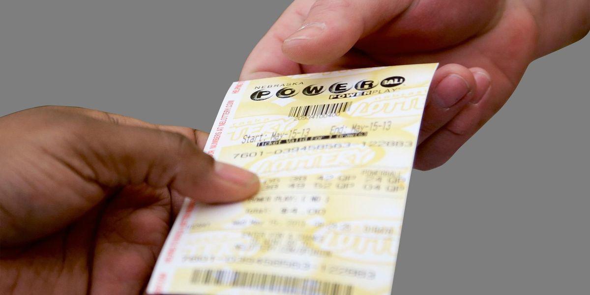 Powerball jackpot climbs to $359 million after no weekend winner
